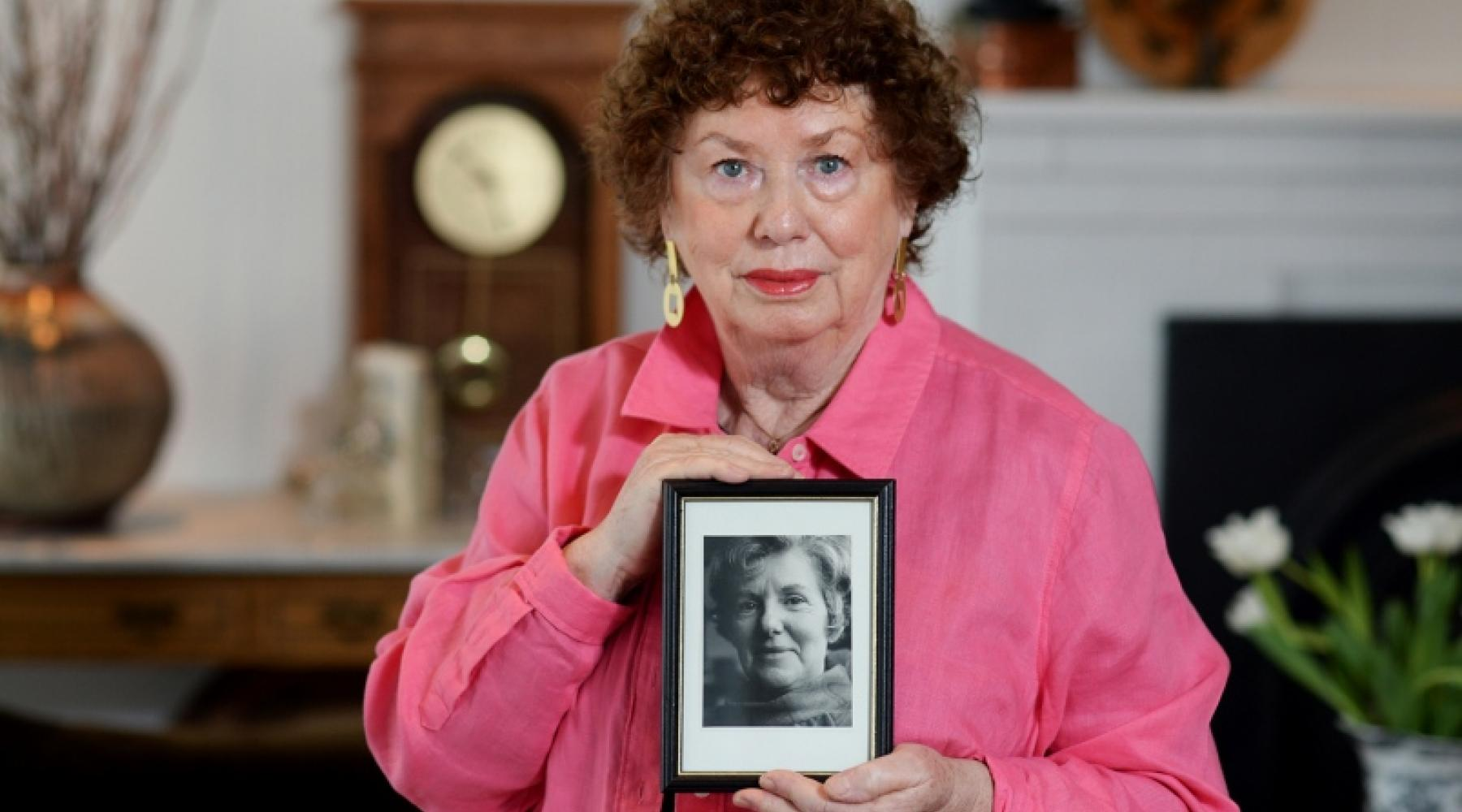 Gale Tyler holding a photo of her mother, Jane Tyler (Photo: Jennifer Gauthier)